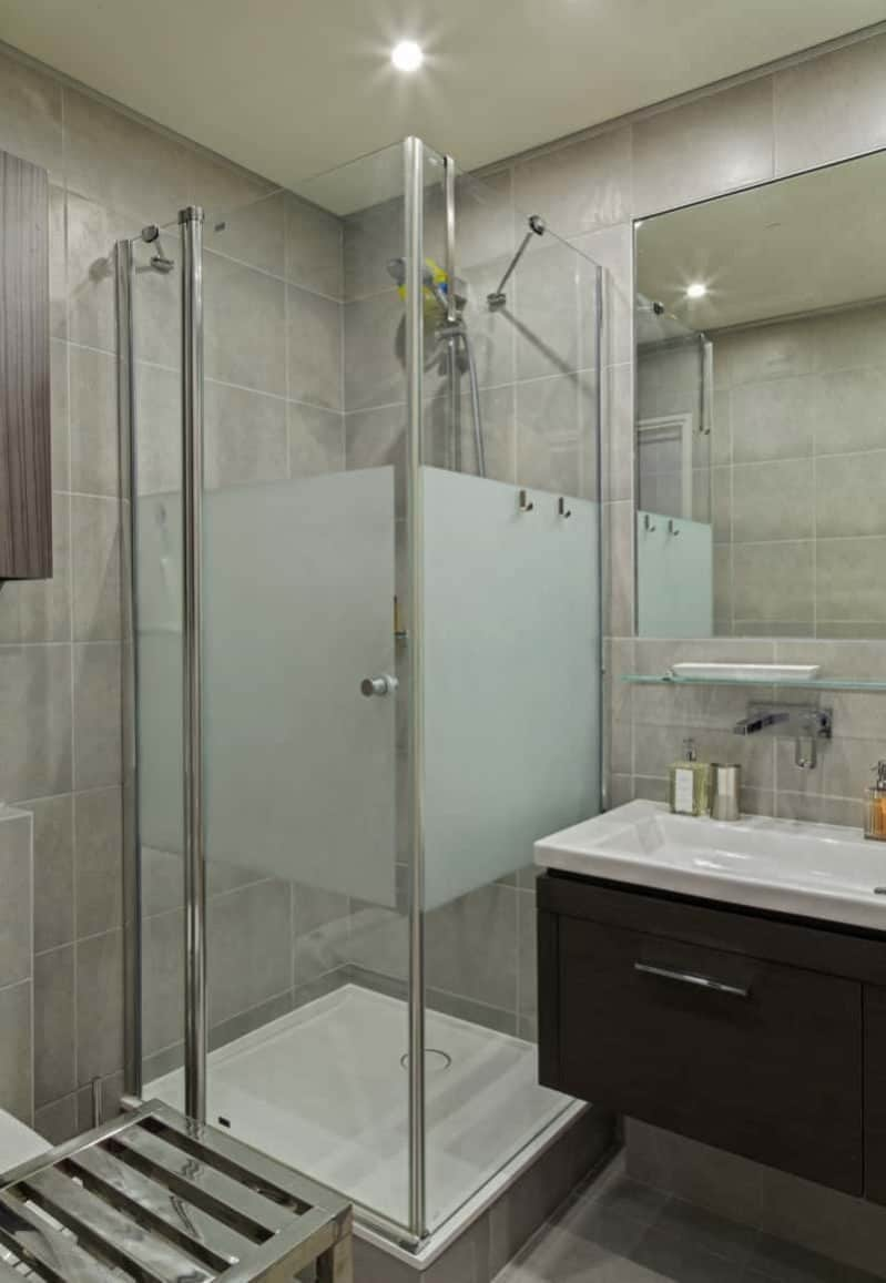 1 N0A1235 DxO min e1488655056490 - Paris Apartment by Diego Revollo Architect