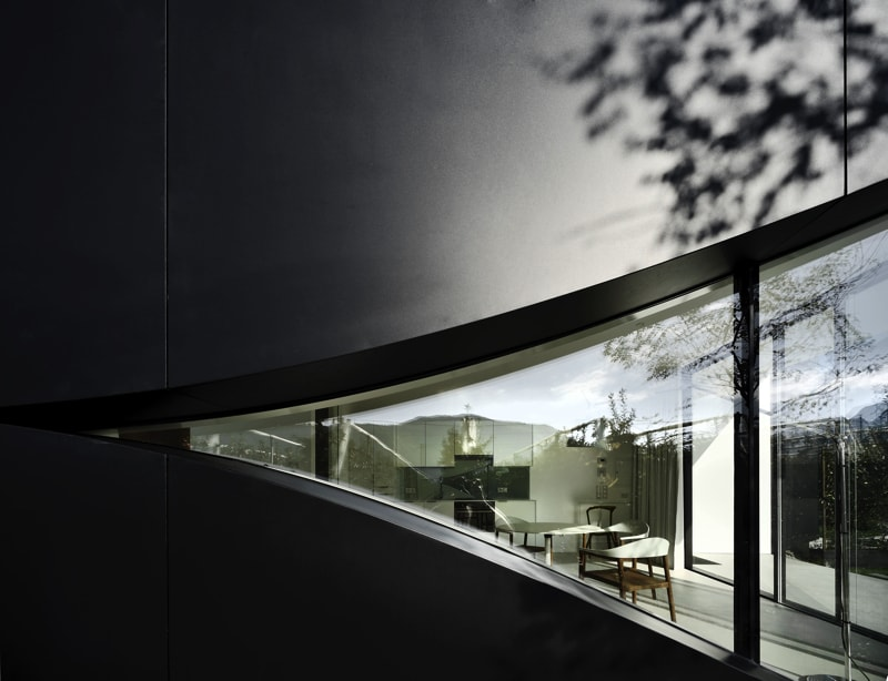 Mirror House facade - The Mirror Houses Holiday Homes In South Tyrol, Italy