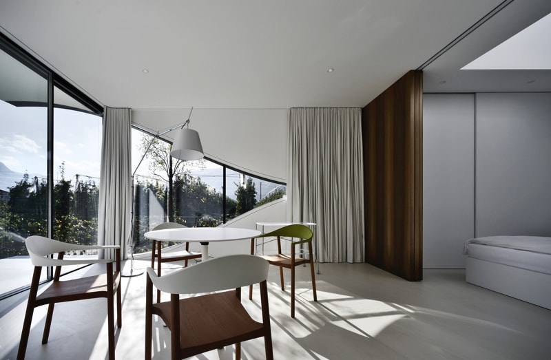 Mirror Houses South living room 2 - The Mirror Houses Holiday Homes In South Tyrol, Italy