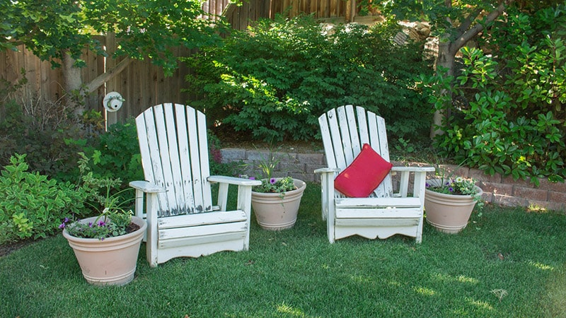 1.Backyard min - Make A Small Back Yard Look Bigger