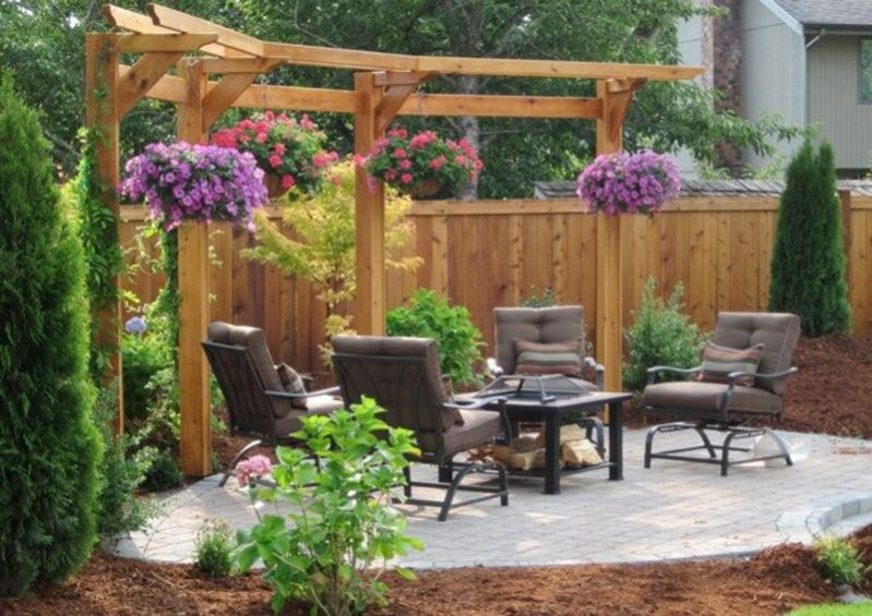 12.Using Trellis in Backyard min e1492927537736 - Make A Small Back Yard Look Bigger