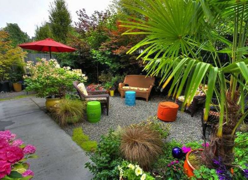 8.small backyard min e1492927191848 - Make A Small Back Yard Look Bigger