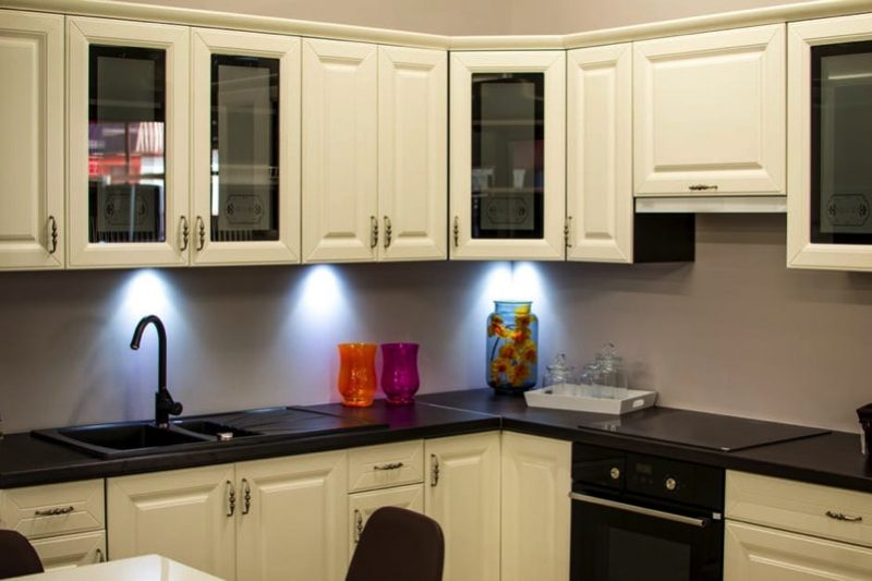 modern kitchen cabinets with lighting
