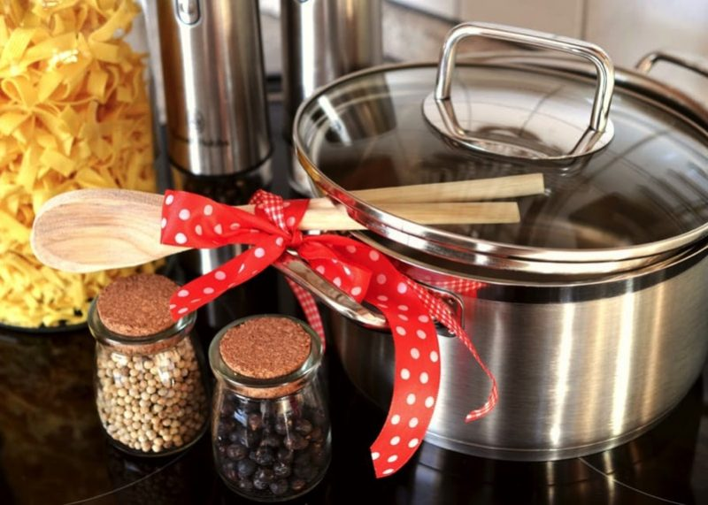 kitchen cooking pot and containers