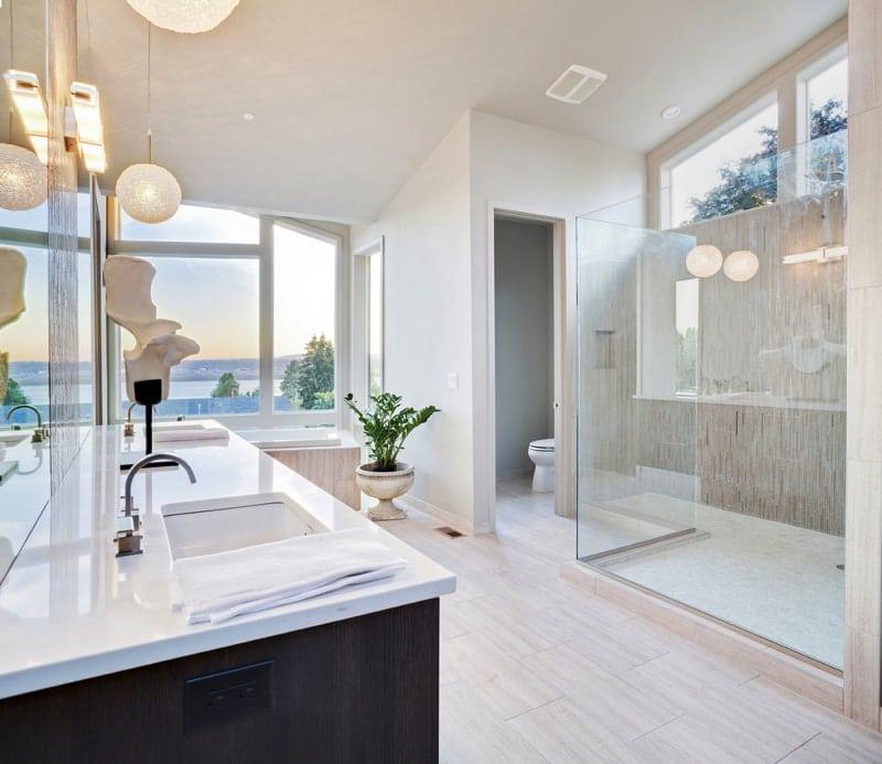 Beautiful Large Bathroom in Luxury Home - Designing Your Bathroom to Look Modern & Minimalist