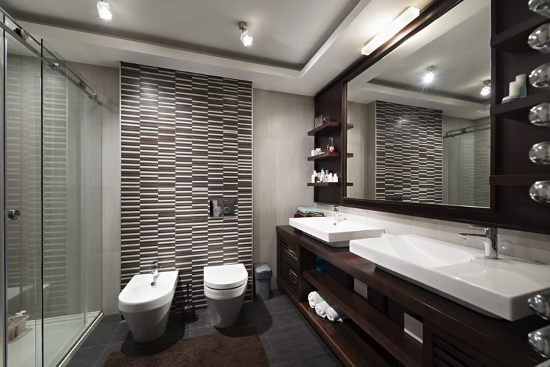 Modern Bathroom interior - Designing Your Bathroom to Look Modern & Minimalist