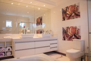Designing Your Bathroom to Look Modern & Minimalist