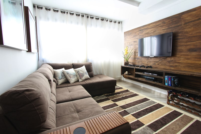 living room with tv feature wall - Living Room Decorating Ideas