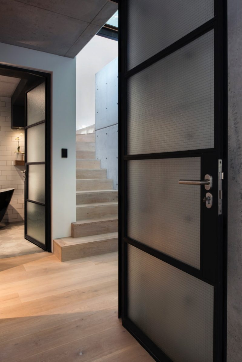 DSC5896 stair landing min e1515694428435 - Glebe House, Sydney, Australia - Studio & Residence