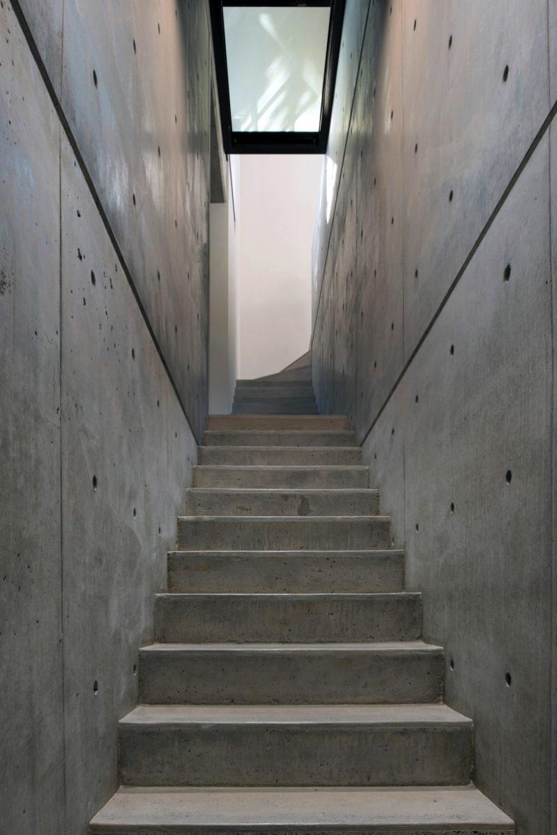 DSC5976 stair concrete min e1515694041534 - Glebe House, Sydney, Australia - Studio & Residence
